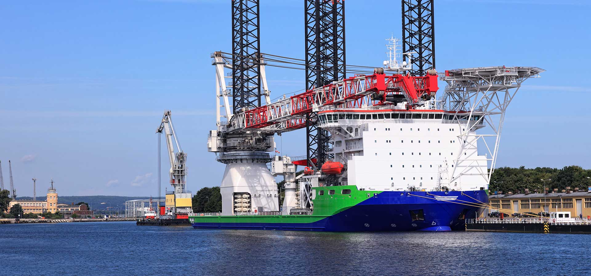 heavy lift wind turbine ship image